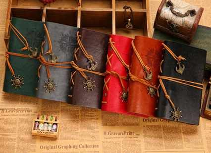 W-Envío Libre de la hoja de la vendimia pirata De Cuero de imitación cubierta diario de viaje 12 colores portátil (1 pieza)