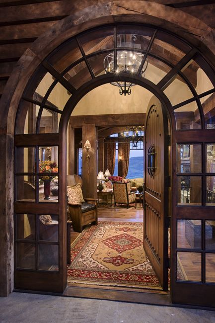 What a gorgeous entrance! With a double door to get furniture in and out easier JKR
