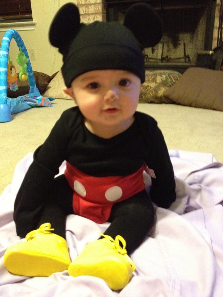 Baby Mickey Halloween 2011