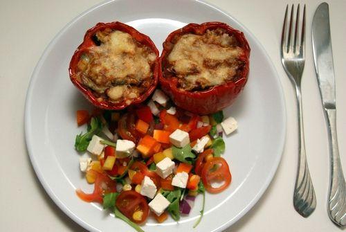 Stuffed peppers with salad.  Fylt paprika med salat.