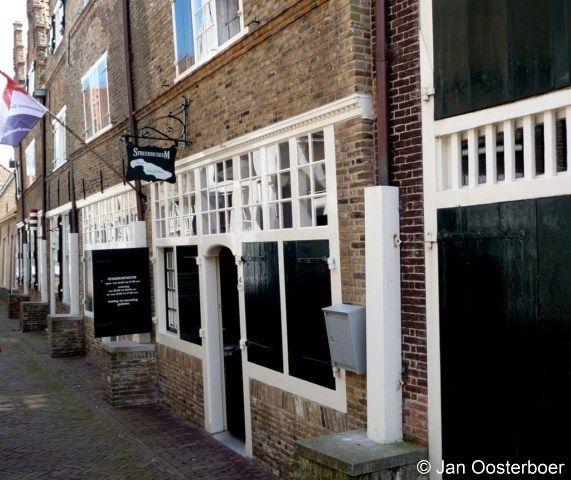 Streekmuseum Goeree-Overflakkee te Sommelsdijk is gevestigd in 5 aaneengesloten…