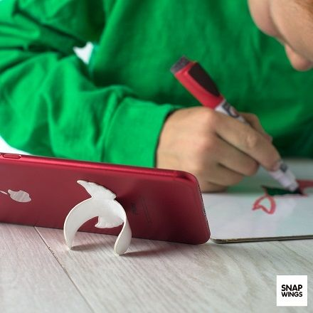 SnapWings is perfect for studying or taking notes on the go. What would you do with yours?  We are now LIVE on Kickstarter! Click the link in bio to find out more!