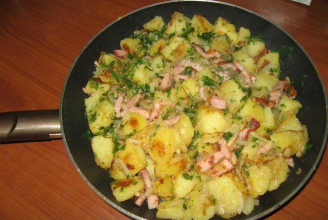 Retete Culinare - Tigaie cu cartofi taranesti