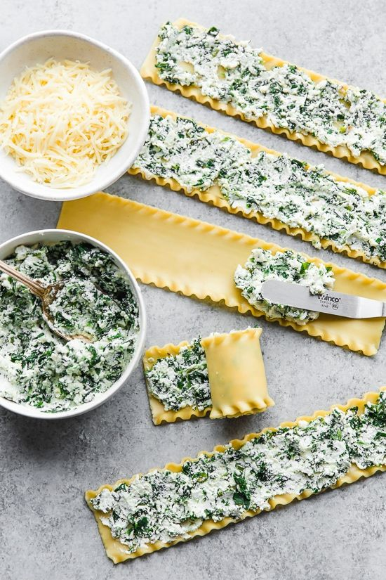 These EASY Spinach Lasagna Roll ups are totally delicious, perfect for entertaining or serving for weeknight meals. Individual vegetarian lasagnas filled with spinach and cheese are family-friendly, satisfying and perfect for portion control. Lasagne Roll Ups, Easy Spinach Lasagna, Pesto Lasagna, Vegetarian Lasagna Roll Ups, Lasagna Noodles, Skinny Lasagna Roll Ups, Meals With Spinach, Vegetable Lasagna Roll Ups, Rolled Lasagna