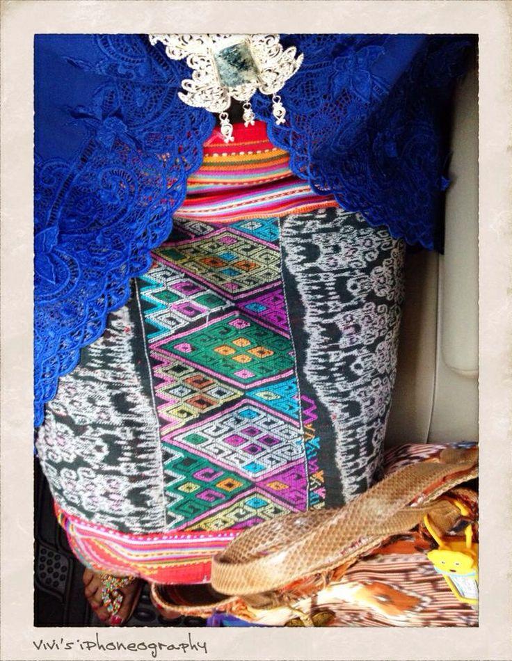 Going Indonesian ethnic: wearing my Embroidered Kebaya (traditional Indonesian blouse) and Tenun Buna Sarong (handwoven Buna sarong from NTT, Indonesia). copyrigts Vivi Kembang Tanjoeng