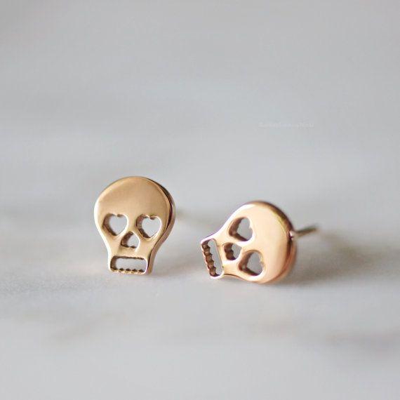 Schedel Stud Earrings Rose goud chique door RabbitsFantasyWorld