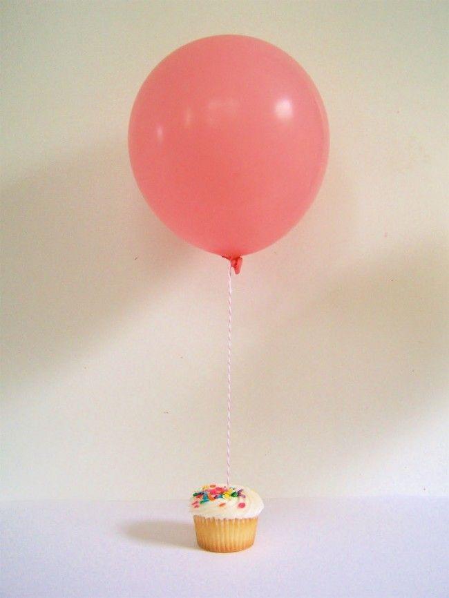 balloon cakeHappy Birthday, Helium Balloons, Cupcakes Birthday, Birthday Cupcakes, First Birthday, Cupcakes Parties, Hot Air Balloons, Birthday Cake, Minis Cupcakes