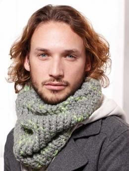 Free Mens´Cowl pattern - Cowls aren't just for the girls any more - they're also popular with guys.
