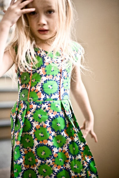 atelier assmeble: Sewing, Green Floral, Kiddos, Clothing Kids, Kids Fashion, Kids Clothing, Girls Style, Floral Dresses, Green Dresses