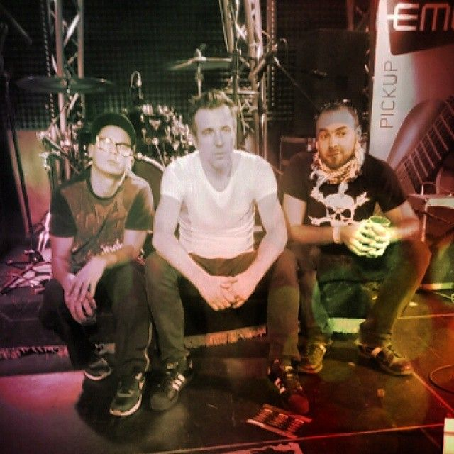 www.roncsbar.hu #roncs #rock #music #song #star #debrecen #hungary #drink #pub Keress az Instagram oldalunkon is!
