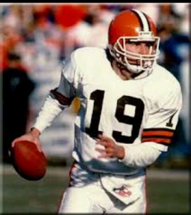 vinny testaverde in the play against miami dolphins Pff news & analysis  the panthers used vinny testaverde,  he had the best game of his career in the dolphins' first win of the season against the chiefs.