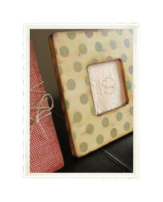 DIY Cheap and Chic Scrapbook Paper Frames DIY Picture Frame DIY Home DIY Decor