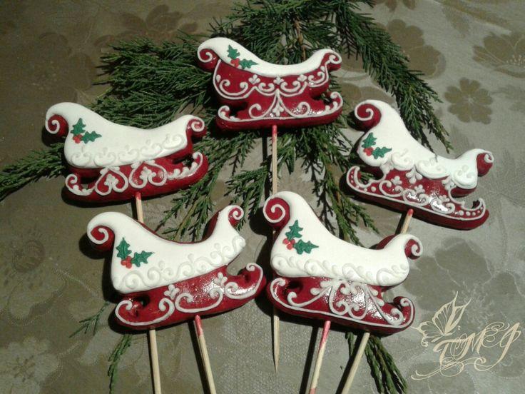 Santa's sleigh gingerbread cookie on stick by TMJ creative. / Karácsonyi mézeskalács szán. #christmas #cookie