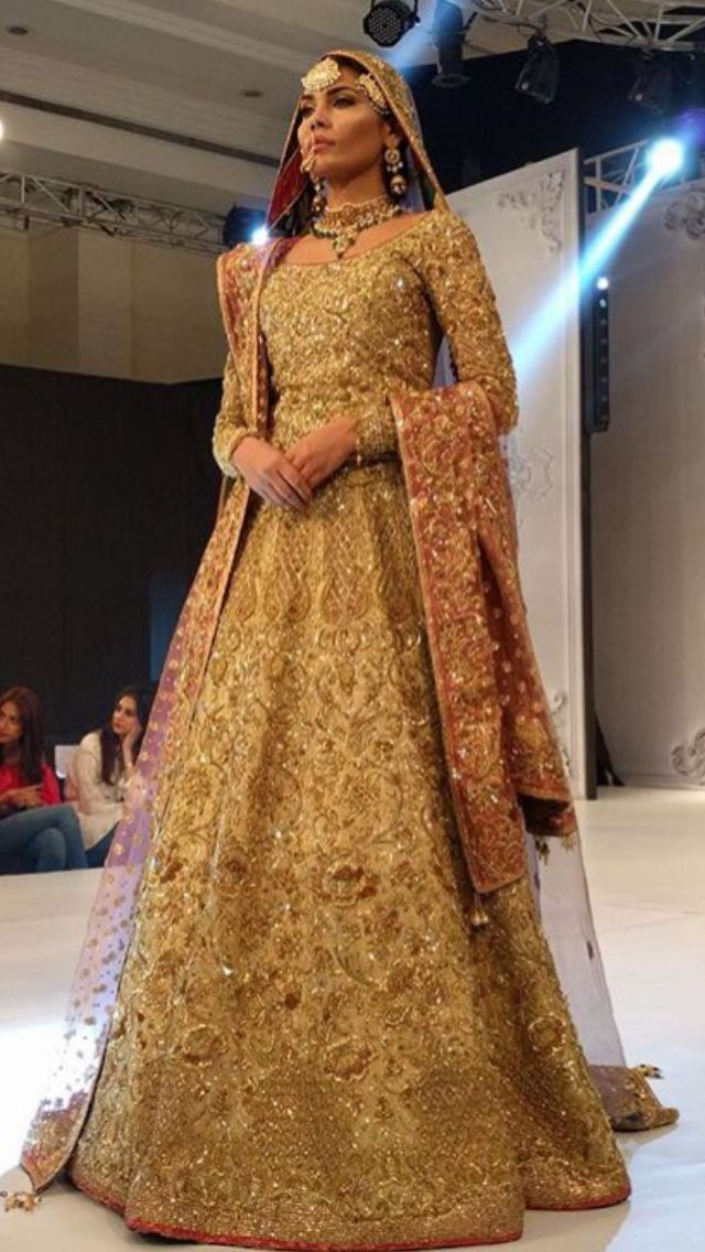 Nomi Ansari Pakistani couture