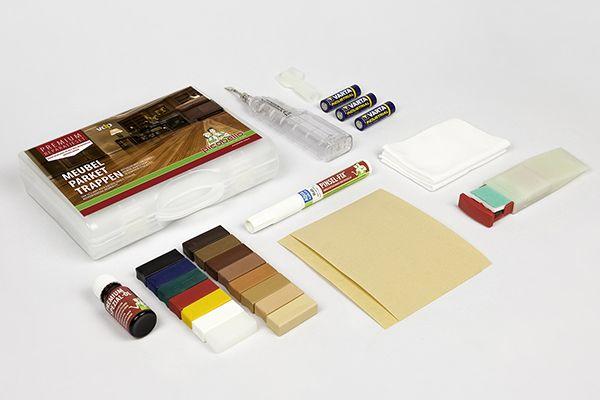 Parket en meubels makkelijk zelf repareren - en nu met nog meer kleuren! Dé optimale set voor reparatie van krassen, kleine gaatjes, deuken en kantschades. Te gebruiken op parketvloer, massief houten aanrechtblad en hoogwaardige massief houten meubels zoals trappen, deuren en keukenfronten met geoliede of en met was behandelde oppervlakken.  https://www.picobello-shop.nl/content/premium-reparatieset-parket-meubels