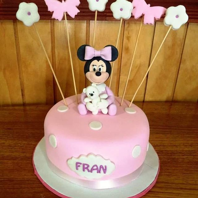 #babyMinnie #Minnie #fondant #cake by Volován Productos #instacake #puq #Chile #VolovanProductos #Cakes #Cakestagram #SweetCake