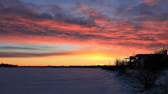 LENS and COVER: Dramatic sunset in Tornio, Finland
