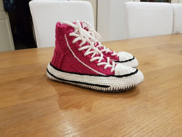 by MiaBina: Reaverse/Converse tennarit - Converse slipper sock...