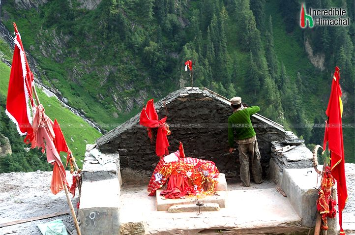 Abounding in #naturalbeauty, the #Himachal region is full of places of worship. #OmShanti Its #Kugti - #Manimahesh - #Bharmour... Trecking path in Himachal - http://goo.gl/MwWcgT