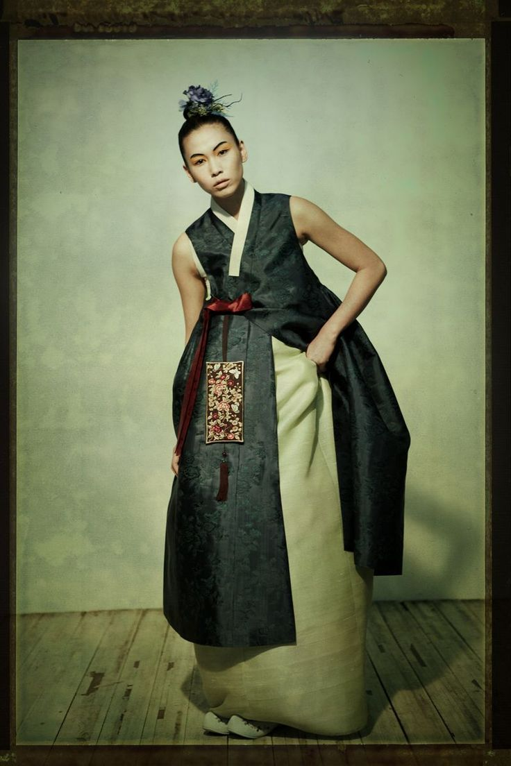 Fusion 한복 Hanbok / Traditional Korean dress / design by Suk-Hyun