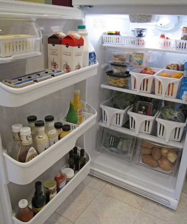 Could've used this idea a few years ago when we had a tiny fridge.Home Organization Tips, Organic Small, Organic Fridge, Basket Ideas, Fridge Storage, Fridge Organization, Fridge Organic, Fridge Spaces, Baskets Ideas