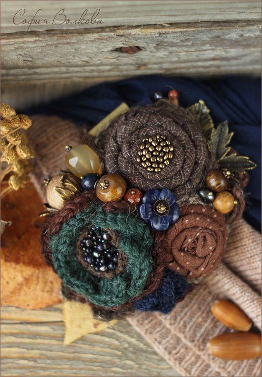 """Купить Брошь """"Изумрудные орешки"""" - брошь, брошь из ткани, брошь ручной работы, текстильная брошь"""