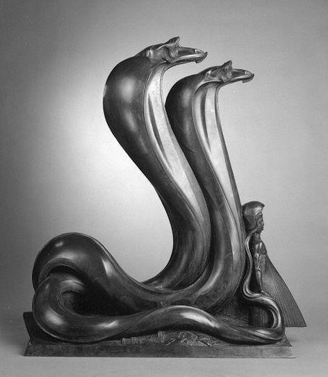 Szukalski sculpture