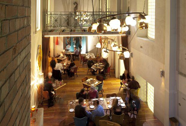 DeBrett's Kitchen @ Hotel DeBrett | Downtown Auckland Restaurants | Top ten Auckland Restaurants | Places to eat in Auckland City #kiwihospo #HoteldeBrett #KIwiHotels
