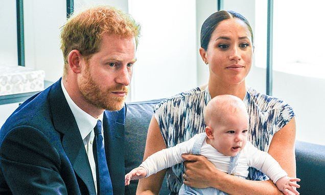Harry And Meghan Will Never Resume Official Roles With Royal Family Royal Life Harry And Meghan Prince Harry And Meghan