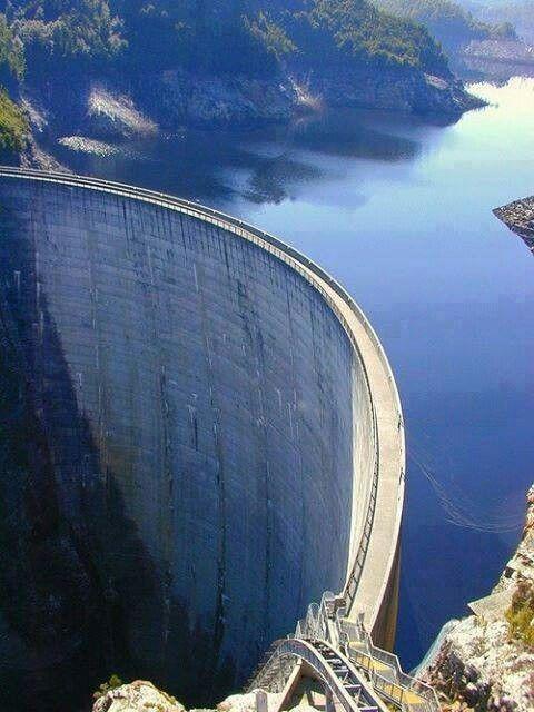 Gordon Dam, Tasmania, Australia