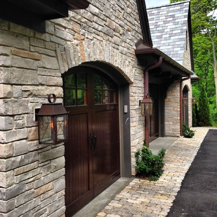 Best 25+ Carriage House Garage Ideas On Pinterest