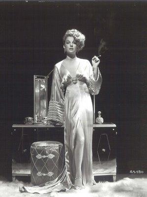 Ann Sheridan (1915 - 1967) - Photo via Remember When?