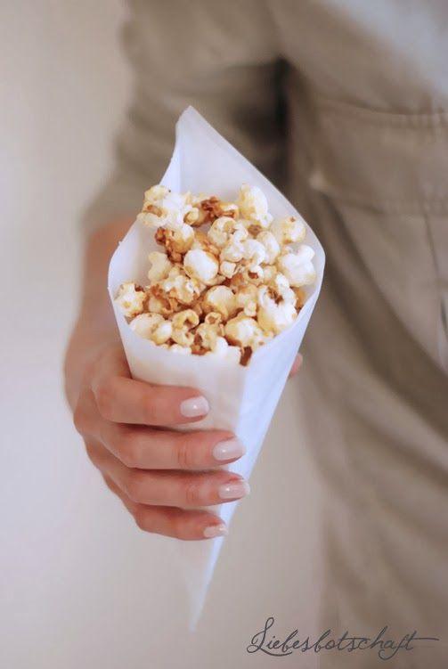 Liebesbotschaft: Bestes Kino-Popcorn zum Selbermachen + Kinderbücher give-away!