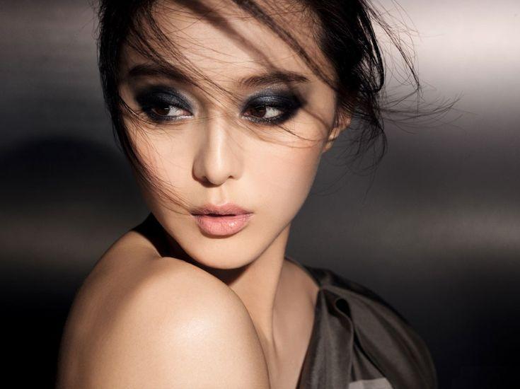 Дымчатый макияж глаз - пленительный взгляд на каждый день