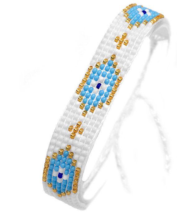 efb17d3775e1 Pulsera de cuentas con los ojos malos. Esta pulsera tejida hecha a mano de  perlas de vidrio de calidad con cuerda de nylon duradero.