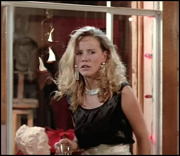 So sad. Amanda Peterson, 43, the actress best known for her role in Can't Buy Me Love, was found dead at her Colorado home. R.I.P.