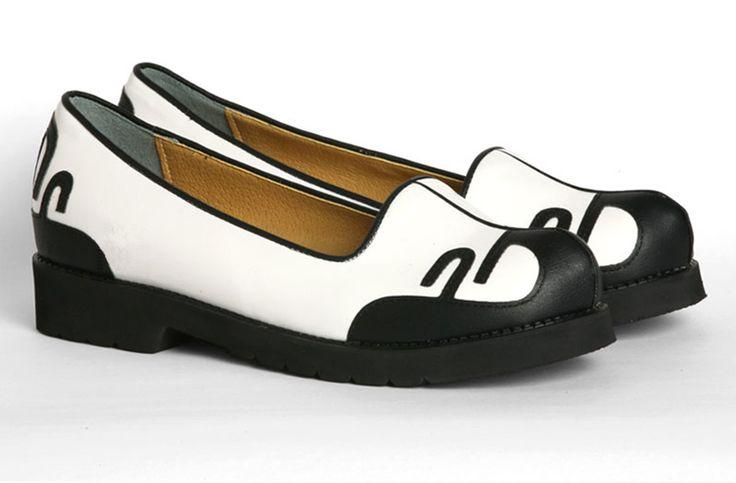 http://www.sonjjang-hanbok.com/korean-traditional-accessories/men-hanbok-shoes/men-hanbok-shoes-a156-en.html