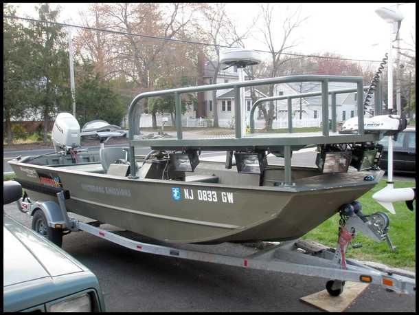 Bowfishing Boat, with raised platform