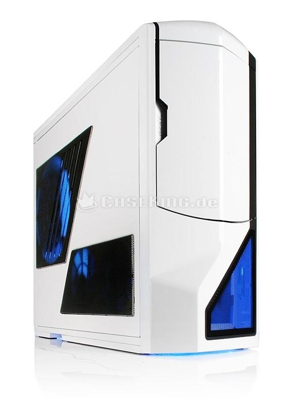 NZXT Phantom Big-Tower mit USB 3.0 in Weiß.     Die Keyfacts: Der Phantom Tower verfügt über ein einzigartiges Design, eine hochwertige Verarbeitung, ein sehr leistungsfähiges Belüftungssystem (4x Lüfter, 5x Lüftersteuerung), eine deaktivierbare Beleuchtung, sehr großzügige Platzverhältnisse (E-ATX, 35 cm VGA, 12x Laufwerke), ein aufwändiges Kabelmanagement-System, umfangreiche Vibrationsdämpfungsmaßnahmen und die Möglichkeit, einen Dual-Radiator einzubauen.
