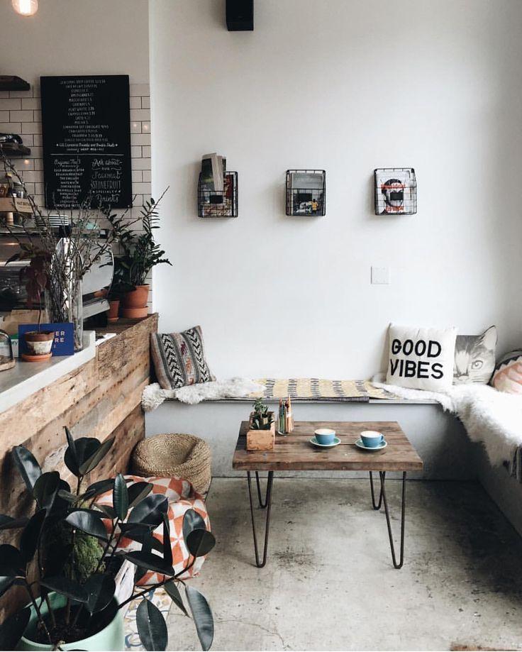 Elegant interiors at @stonefruitespresso in Brooklyn, NYC   @diannnnneee  #acmecups #specialtycoffee #acmeforlife (at Stonefruit Espresso+kitchen)