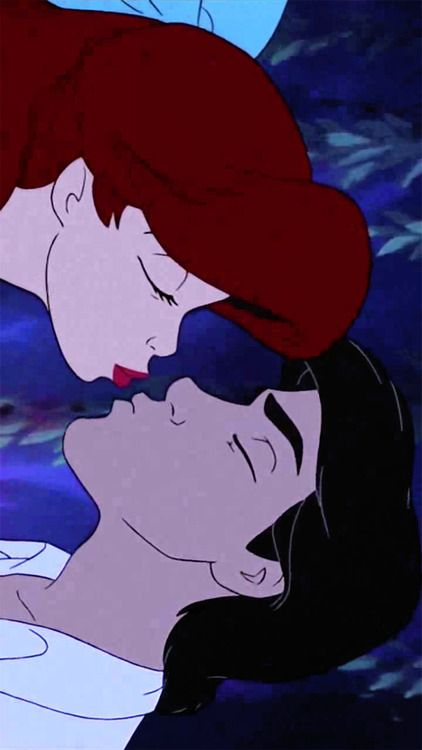 Time for a kiss with Ariel and Prince Eric.
