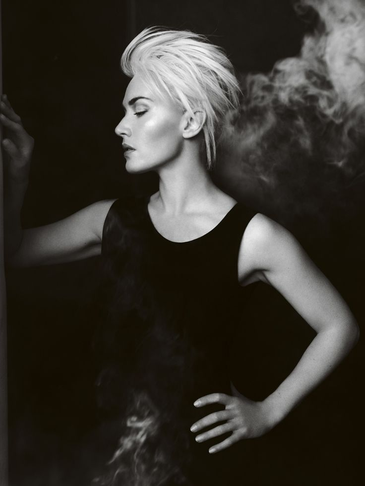 Kate Winslet (photographer: Mario Testino)Mario Testino, Platinum Blondes, Shorts Hair, Layered Haircuts, Vogue Uk, Kate Winslet, Mariotestino, April 2011, Hair Looks