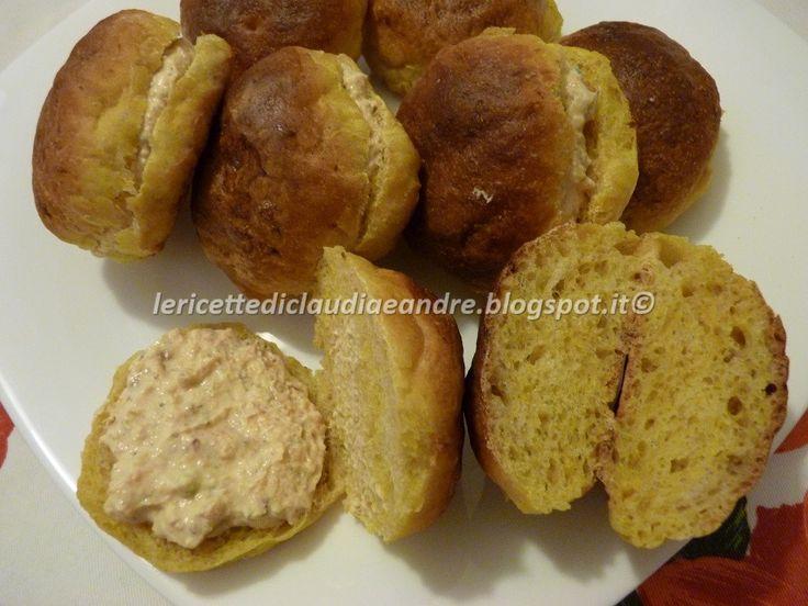 Le    ricette    di    Claudia  &   Andre : PANINI CON LA  ZUCCA RIPIENI CON CREMA DI RICOTTA