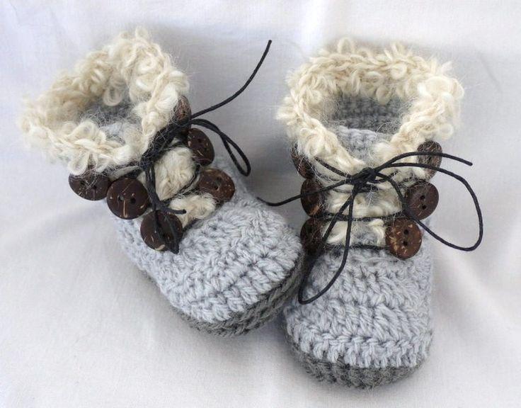 Babylaarsjes - Stoere Gehaakte Baby Laarsjes - Een uniek product van TitferDesigns op DaWanda