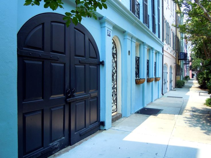 17 best images about charleston 39 s historic rainbow row on for Charleston row houses