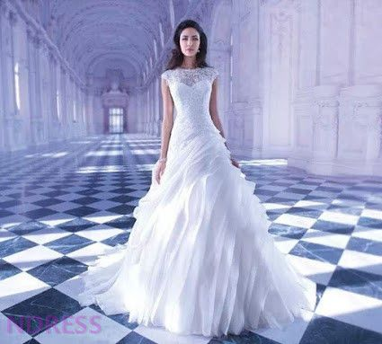 Known for his penchant for romance and eye for beauty, darb bridal couture designer and owner Brad Webb is the master of couture in Australia. http://darbbridalcouture.com.au/