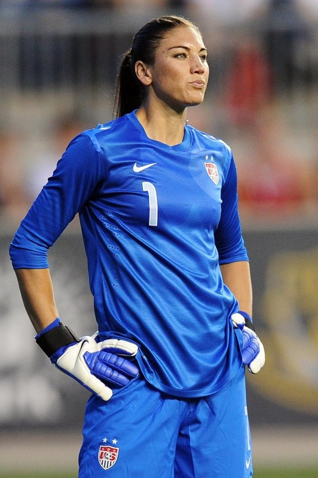 i love her. so much. i want to be her when i grow up. Hope Solo.