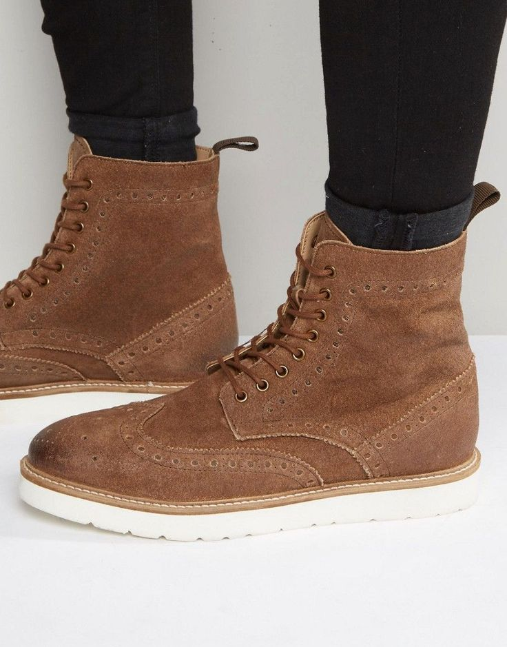 Frank Wright Brogue Boots In Tan Suede - Tan