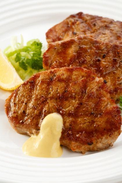 Εύκολο και λαχταριστό σνίτσελ στο φούρνο http://www.queen.gr/MAGEIRIKH/THS-TEMPELAS/item/644-eykolo-kai-lahtaristo-snitsel-sto-foyrno
