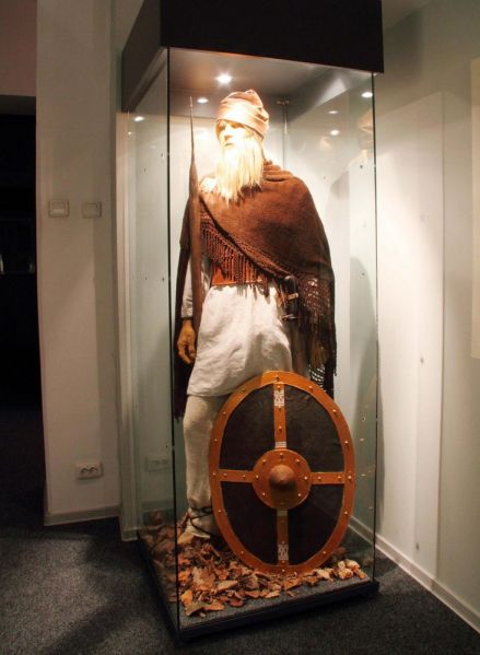 Dacian in traditional attire - Batca Doamnei museum